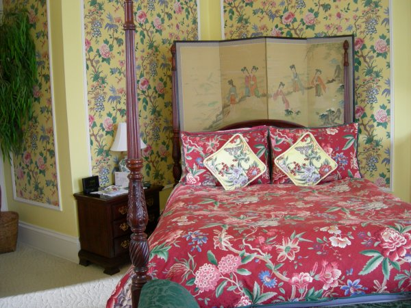 B&B room: the bed