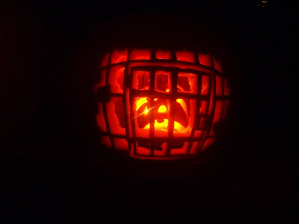 Ben's Pumpkin (A smaller pumpkin in a big-pumpkin jail.)
