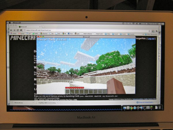Important MacBook Air Benchmark: Minecraft Test =)