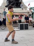 Quebec City - Juggling a diabolo.